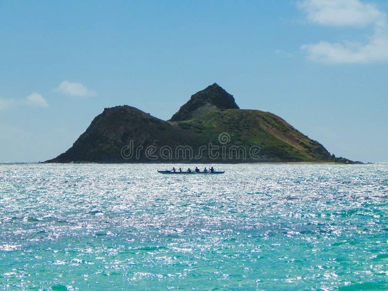 Hawaiiaanse Kano in Lanikai stock fotografie