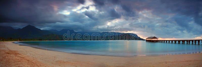 Hawaiiaanse Pijler bij Zonsondergang met Dramatische Wolken royalty-vrije stock fotografie