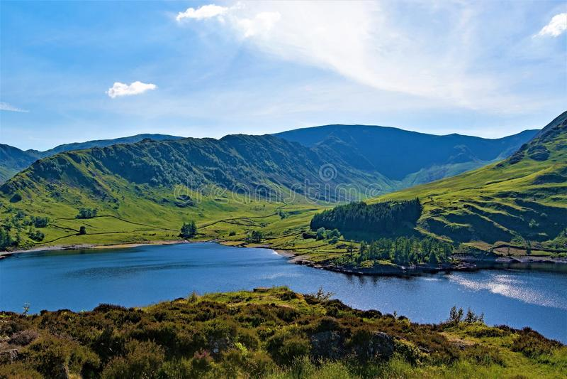 Haweswaterreservoir, in het groene en prettige land van Engeland, Meerdistrict, Cumbria stock foto