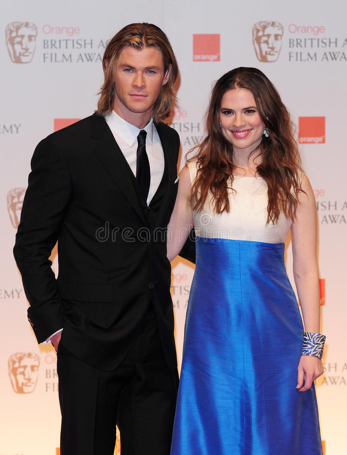 Hayley Atwell, Chris Hemsworth stock afbeelding