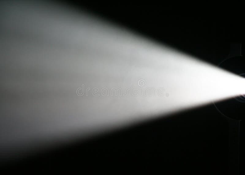 Haz luminoso del proyector imagenes de archivo