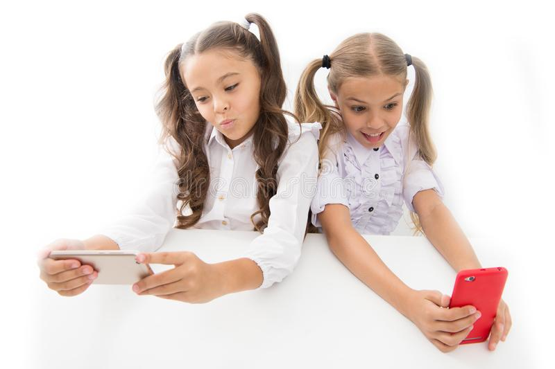 Hazard online Online komunikacja Tworzy online sieć bloga Podąża ogólnospołeczne sieci Blogger szkoła edukacyjny obrazy royalty free