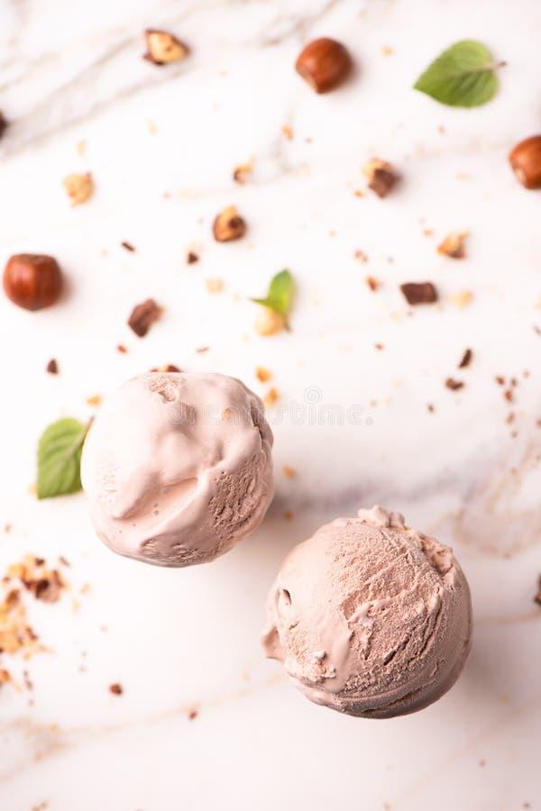 Hazelnut lody na wafel rożku zdjęcie royalty free
