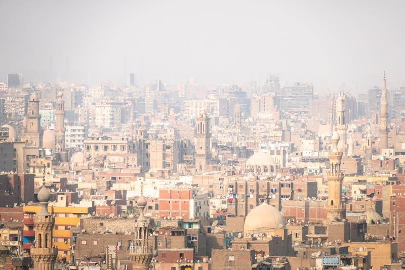 hazey Landschaft in Kairo Ägypten lizenzfreie stockbilder