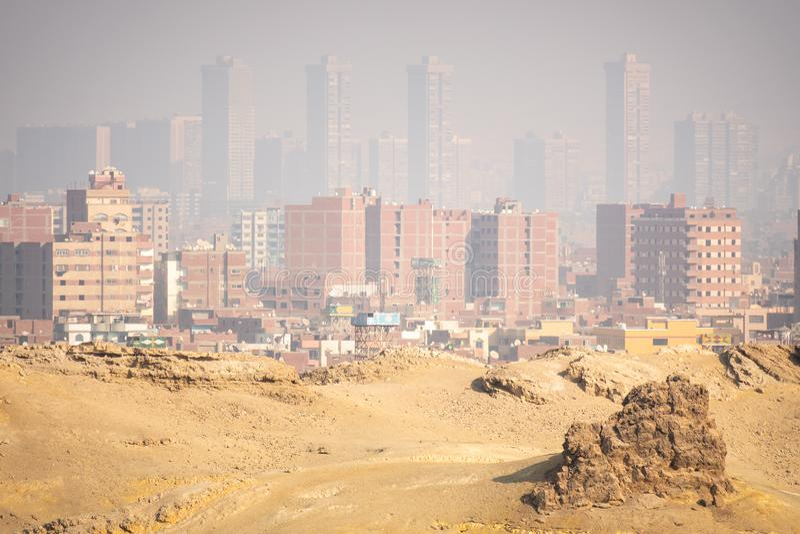 hazey Landschaft in Kairo Ägypten stockfotografie