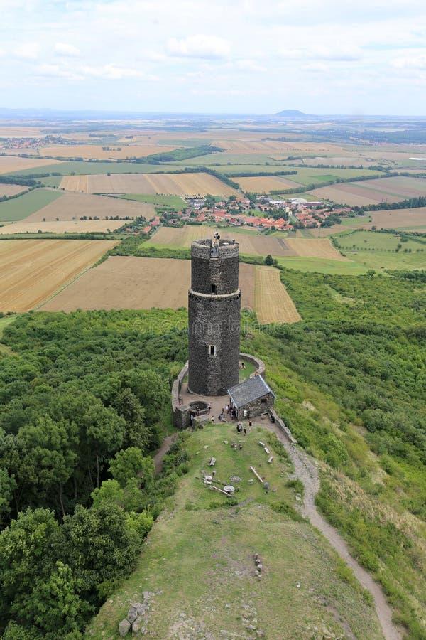 Hazmburg zaokrąglał czerni wierza od above fotografia royalty free