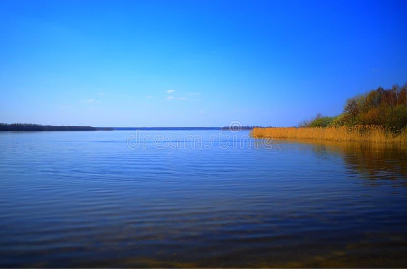 Hd предпосылки ландшафта реки подпора стоковые фотографии rf