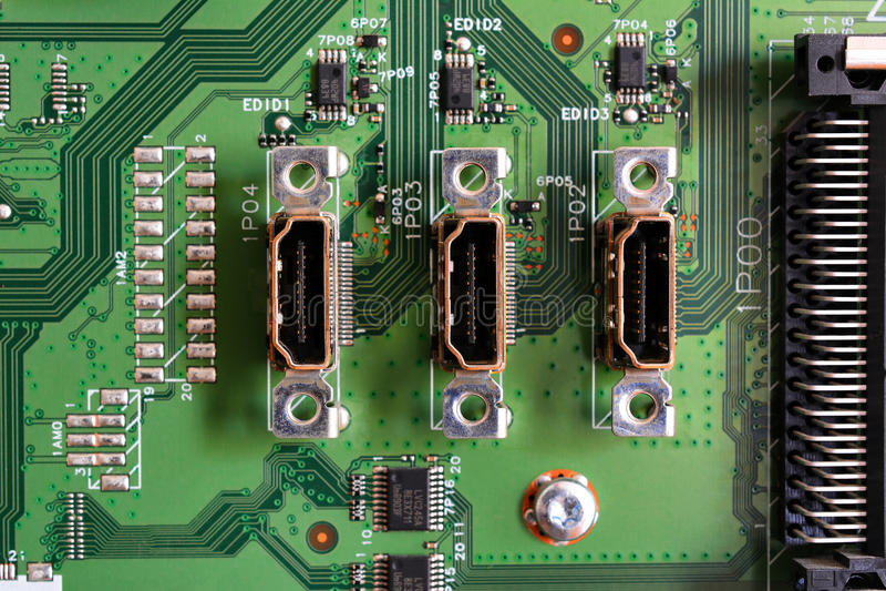 HDMI vira el estándar hacia el lado de babor para conectar los dispositivos video de alta definición foto de archivo libre de regalías