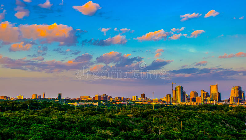 HDR Austin Skyline Vivid Evening Central Texas royalty-vrije stock foto