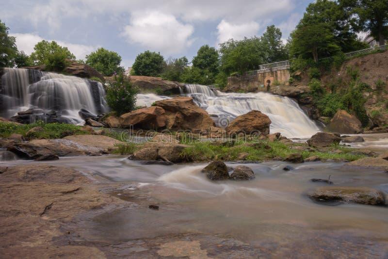 HDR cai parque em Reedy River imagem de stock
