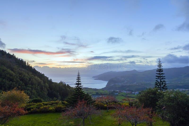 HDR de crépuscule sur les Açores, Portugal images stock