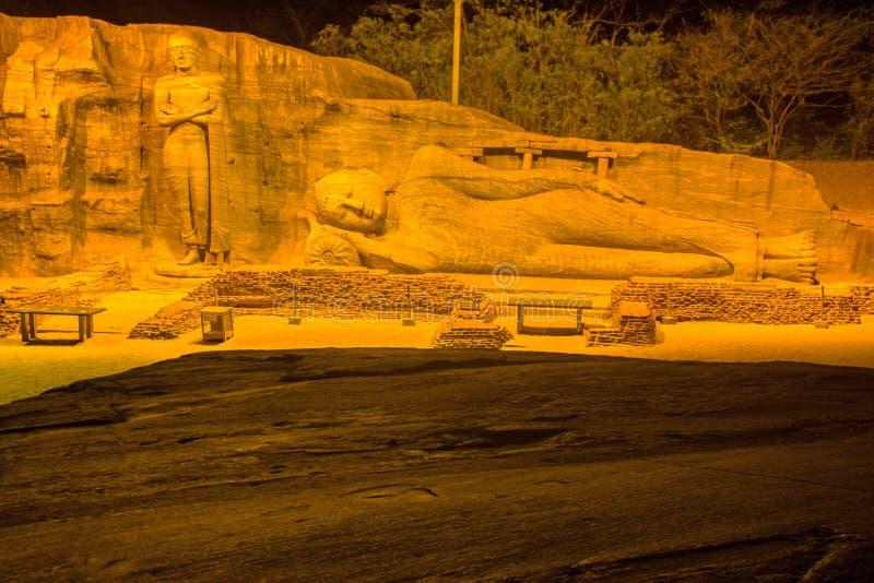 HDR-Fotografie van het standbeeld van Boedha bij Gal-viharatempel royalty-vrije stock foto's