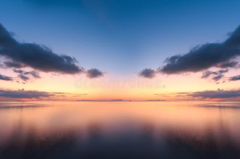 HDR seascape zmierzchu panoramiczny tropikalny tło obrazy royalty free