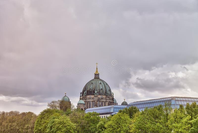 HDR tiró de los Dom del berlinés fotografía de archivo libre de regalías