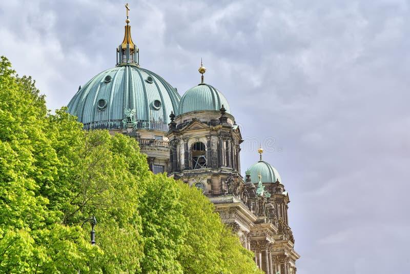 HDR tiró de los Dom del berlinés imagen de archivo libre de regalías