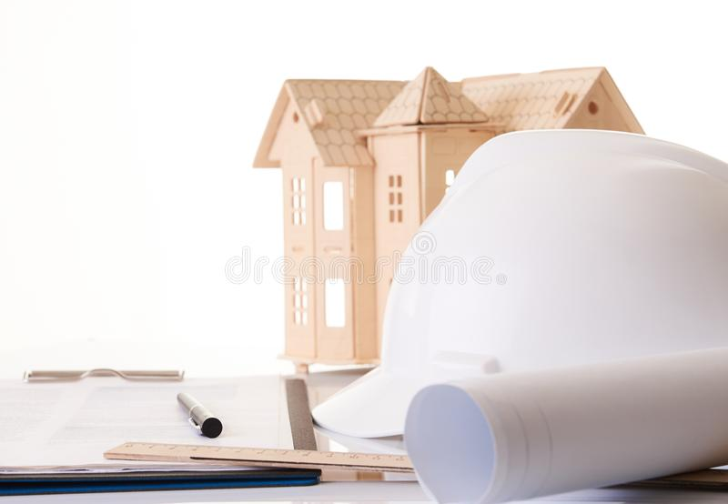 Hełm lub ciężki kapelusz, staczający się budowa projekty obraz stock