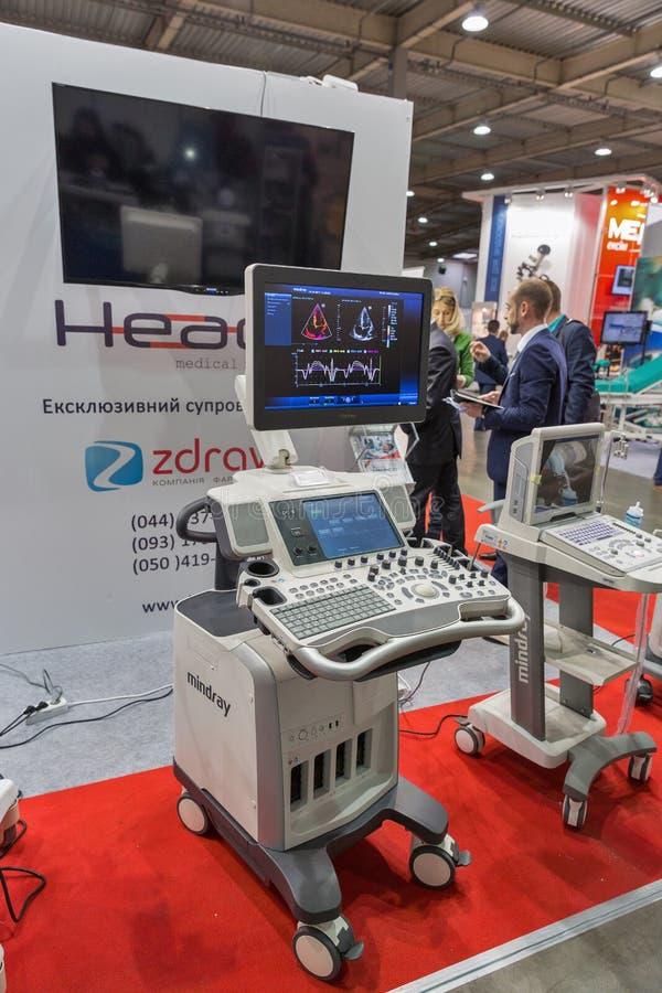 Heaco Both vid International Medical Forum i Kiev, Ukraina royaltyfria bilder