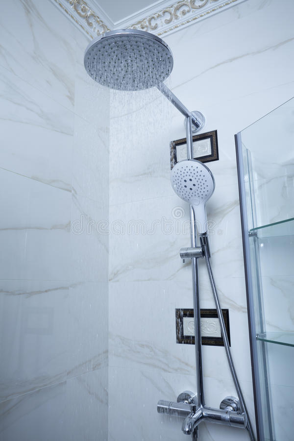 Head dusch arkivbild