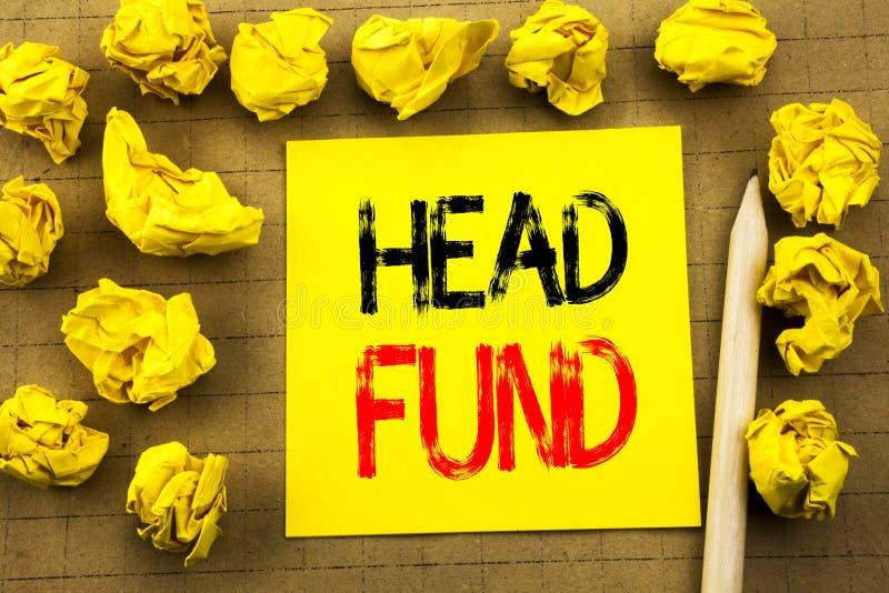 Head fond Affärsidé för investeringfinansieringpengar som är skriftliga på klibbigt anmärkningspapper på tappningbakgrunden Vikt  arkivfoto