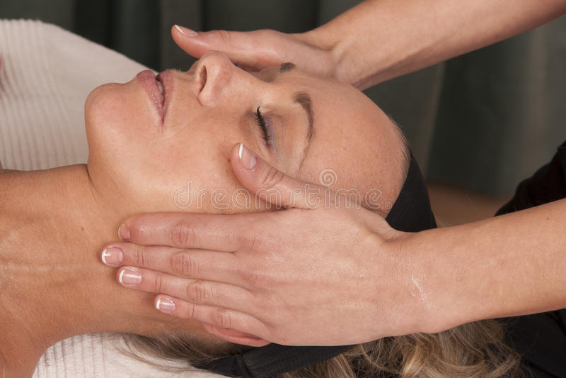 head massageåterställning royaltyfria foton