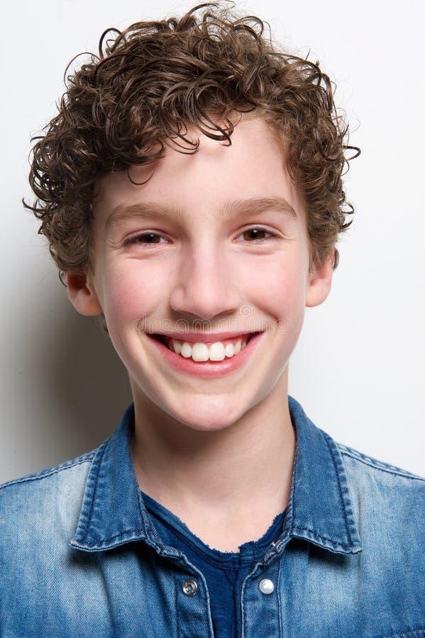 Head stående av ungt le för pojke arkivfoto