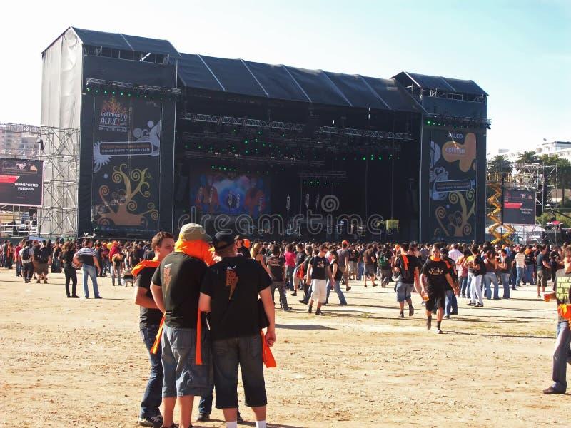 Headbangers al concerto nel Portogallo immagini stock
