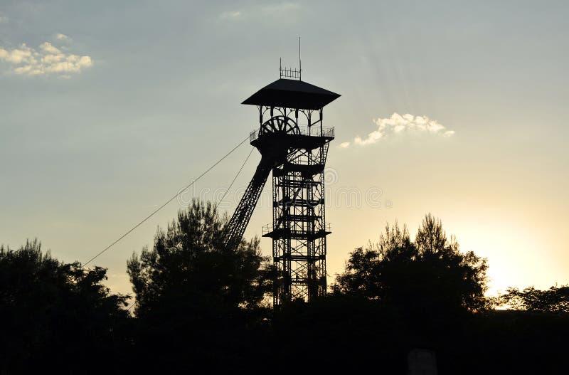 Headframes/被放弃的煤矿,普埃托利亚诺,雷阿尔城,西班牙,雷阿尔城省,西班牙推力塔  免版税库存图片
