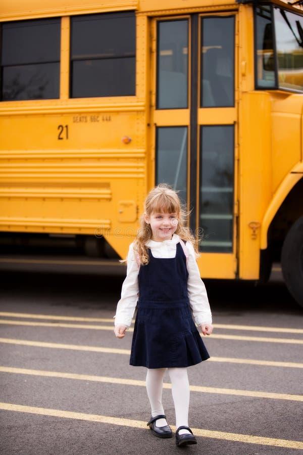 heading home av skolan fotografering för bildbyråer
