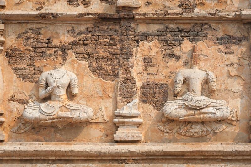 Headless αγάλματα του Βούδα σε Wat αεριωθούμενο Yod, Chiang Mai, Ταϊλάνδη στοκ εικόνα
