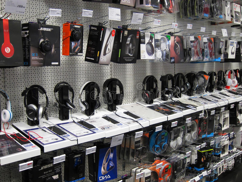 Download Headphones On Display In A Store. Editorial Photography - Image: 34490947