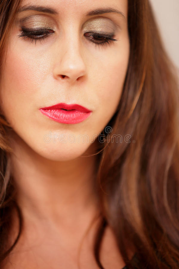Headshot μιας γυναίκας με το κόκκινο κραγιόν στοκ εικόνες με δικαίωμα ελεύθερης χρήσης