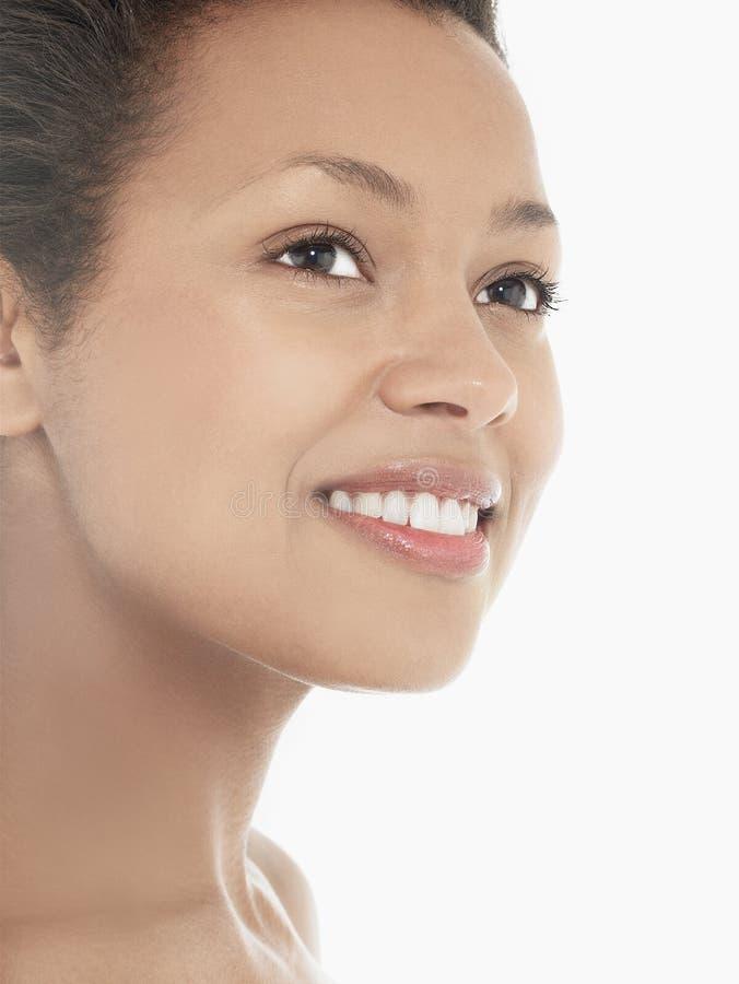 Headshot Atrakcyjny młodej kobiety ono Uśmiecha się obrazy royalty free