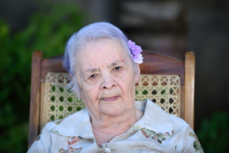 Headshot da avó fotos de stock