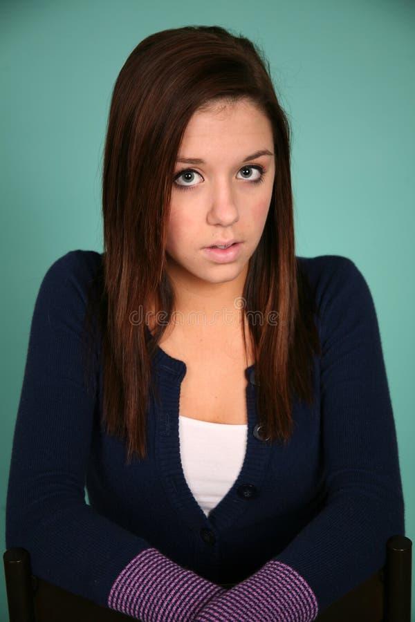 Headshot da menina adolescente triguenha bonita imagens de stock royalty free
