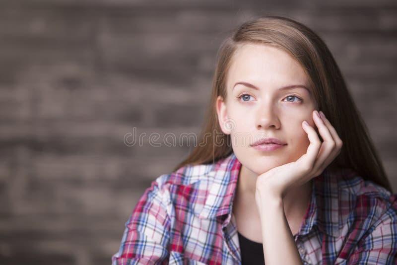 Headshot de la mujer joven imagen de archivo libre de regalías