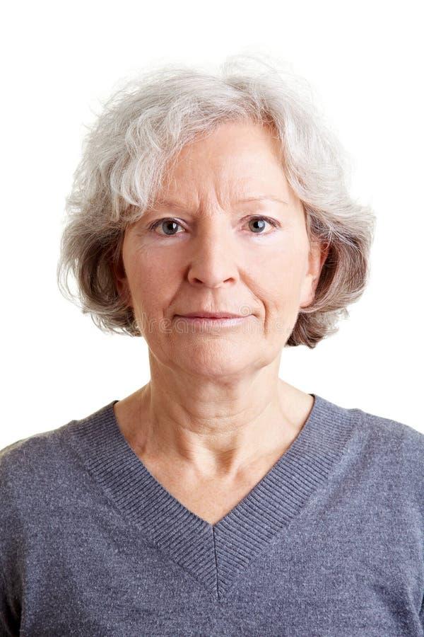 Headshot de una vieja mujer sonriente fotos de archivo