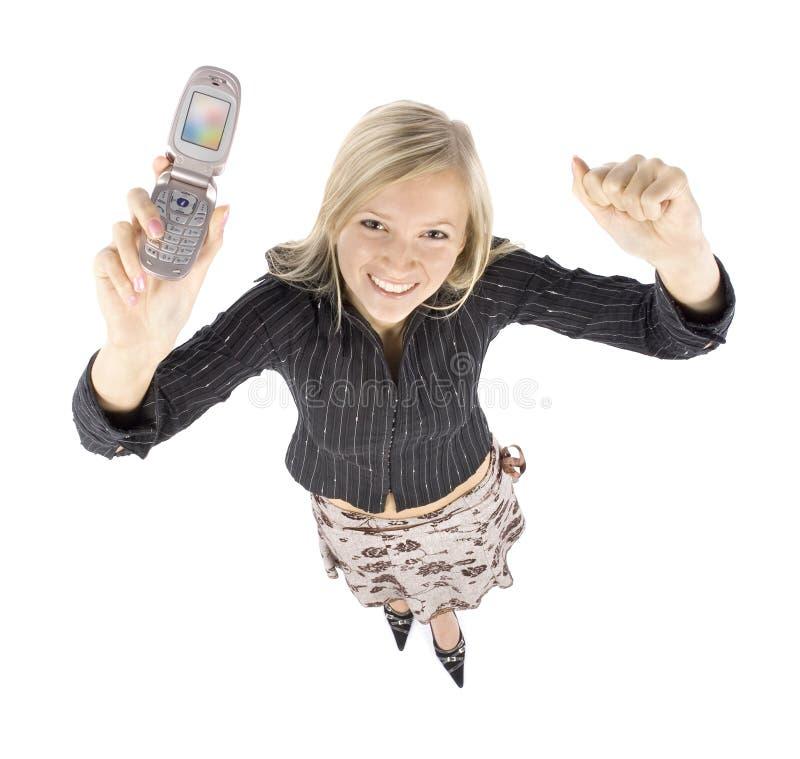 Headshot der jungen blonden glücklichen Frau mit moble Telefon stockbilder