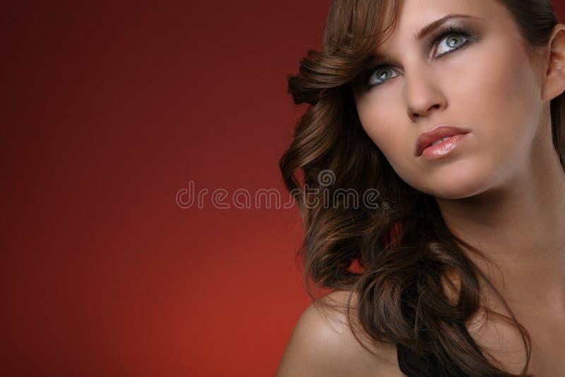 Headshot der recht jungen Frau stockfotos