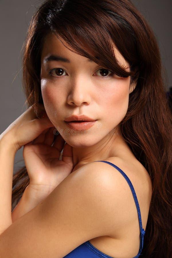 Headshot di bella giovane ragazza giapponese fotografia stock