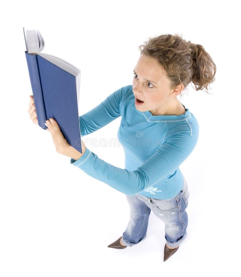Headshot di giovane donna con il libro fotografia stock libera da diritti
