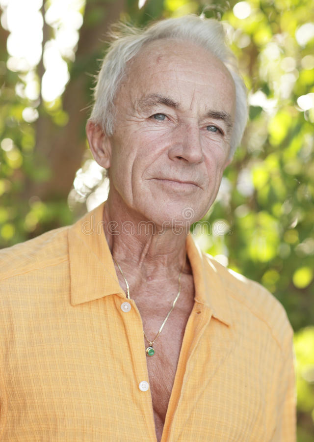 Headshot eines älteren Mannes stockfoto