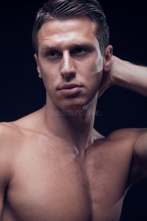 Headshot, fim principal do headshot da cara acima, um homem adulto novo, fitn foto de stock royalty free