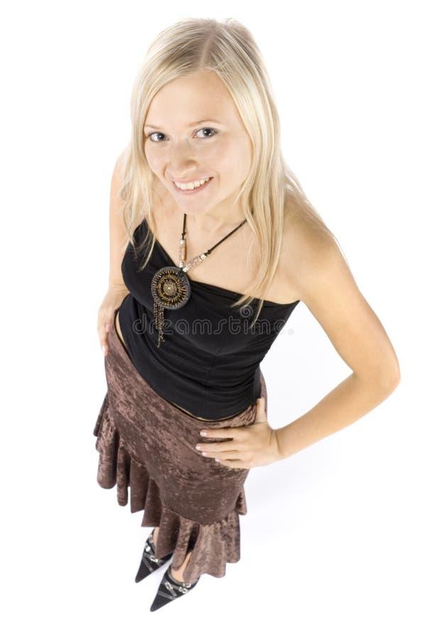 Headshot van glimlachende jonge blonde vrouw stock foto