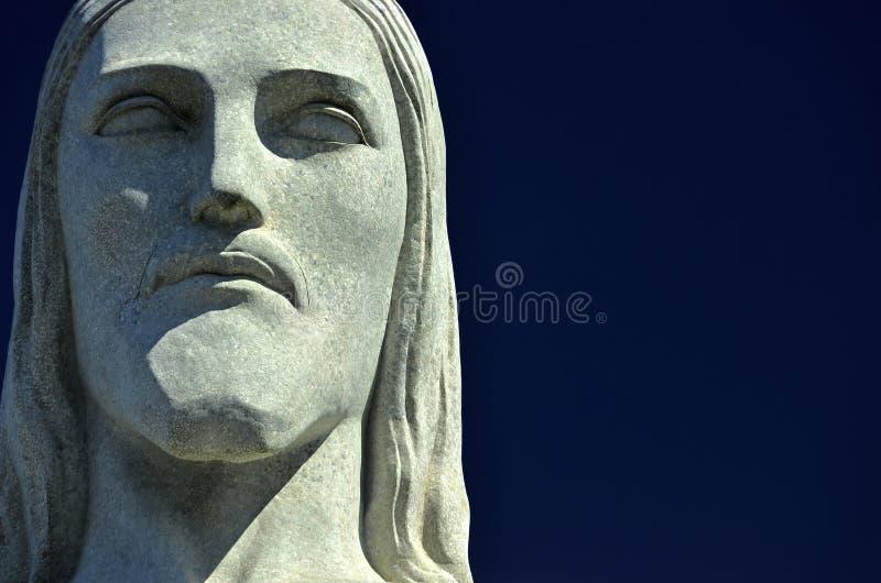 Headshoten av statyKristus Förlossare är en Art Deco staty i Rio de Janeiro arkivfoto