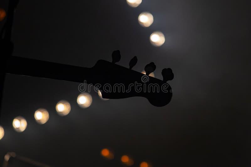 Headstock bonde da guitarra-baixo fotografia de stock