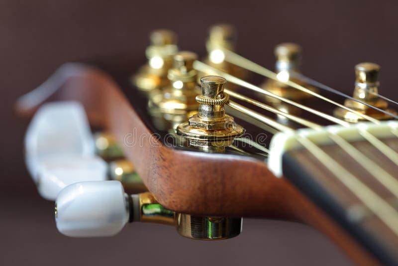 Headstock da guitarra acústica imagem de stock