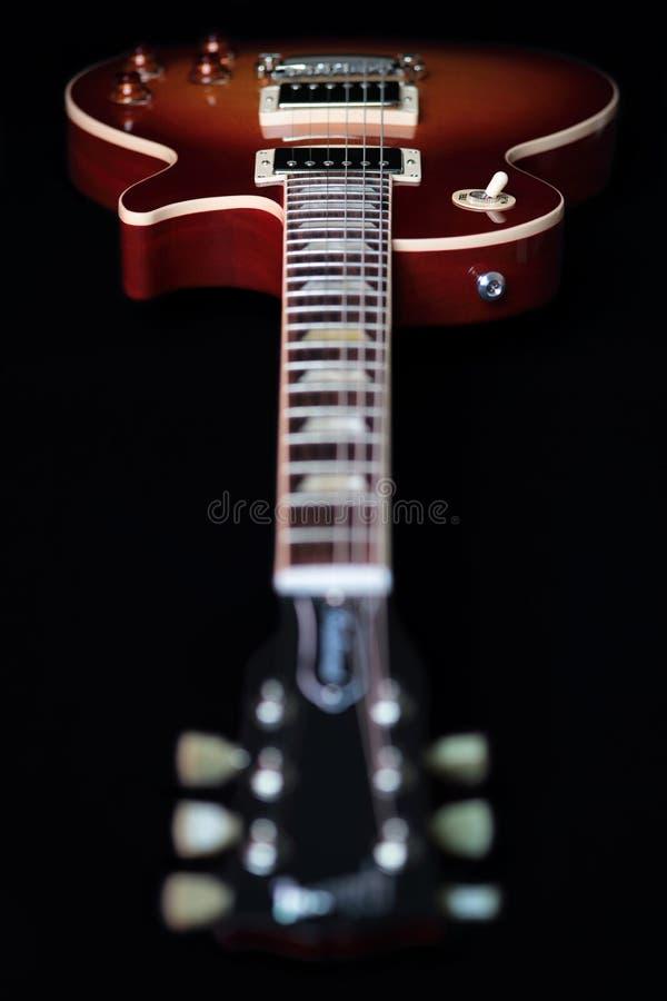 Headstock, hals och kropp av den elektriska gitarren arkivbild