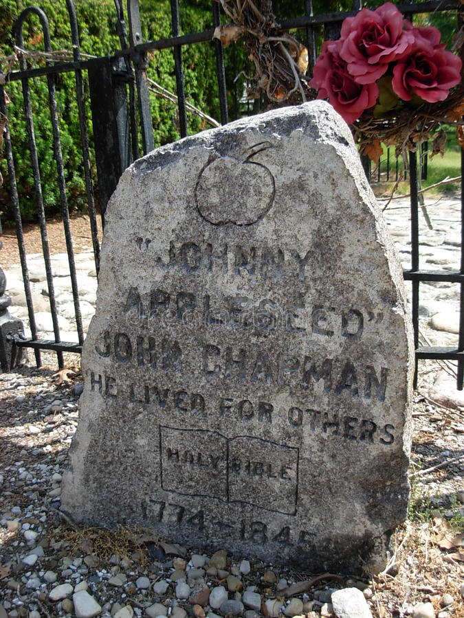 Free Headstone At The Grave Of Johnny Appleseed Royalty Free Stock Photography - 42962897