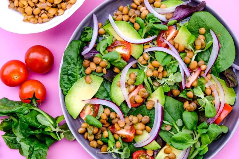 Healthy Avocado en Lentil Salad stock foto