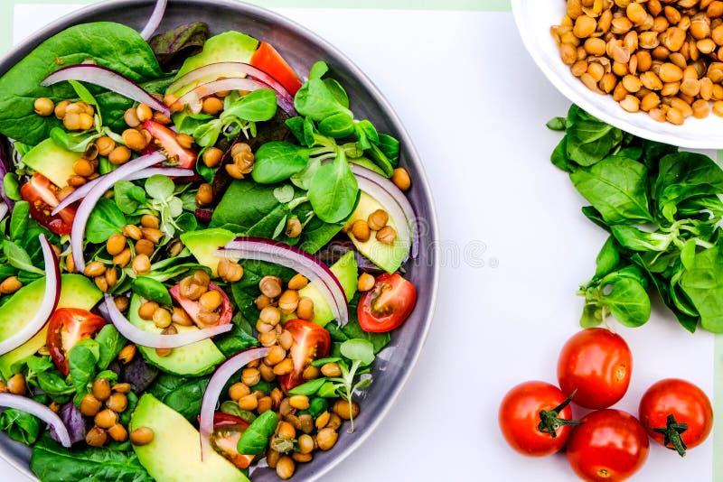 Healthy Avocado en Lentil Salad royalty-vrije stock fotografie